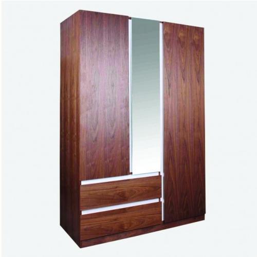 Гардероб с три врати и огледало