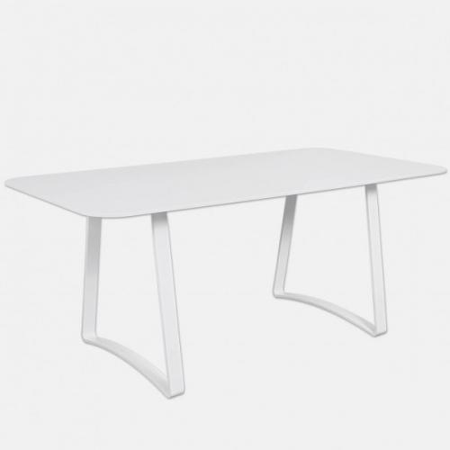 Бяла трапезарна маса