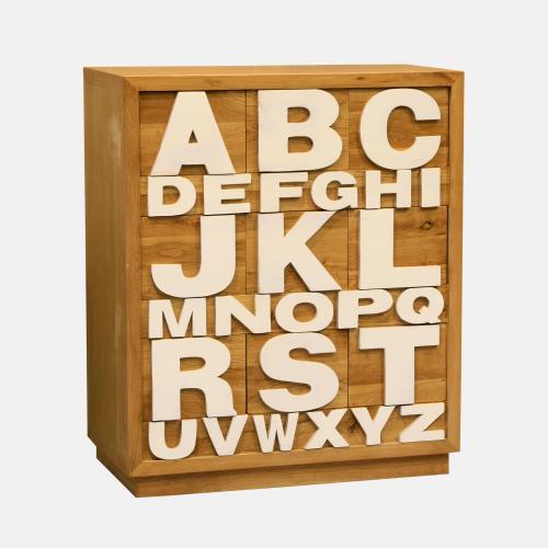 Шкаф с типографски орнаменти