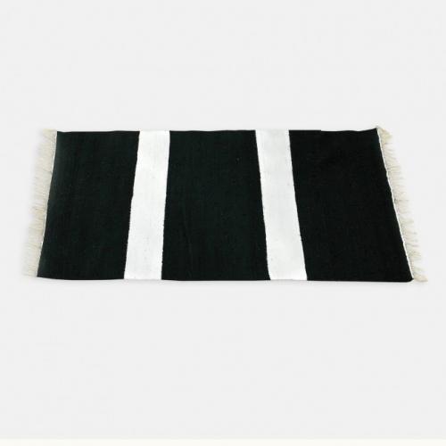 Килим от памук в бял цвят