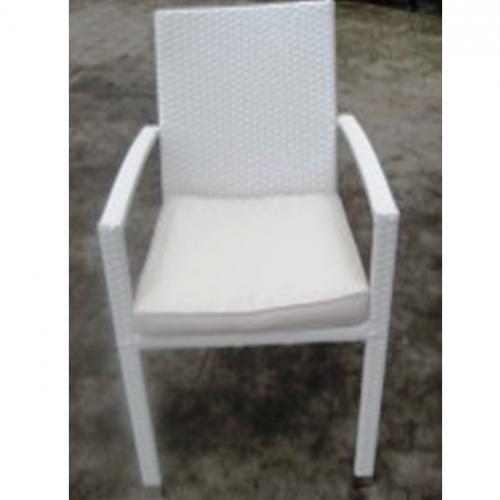 Градински бял PVC стол с подлакътници