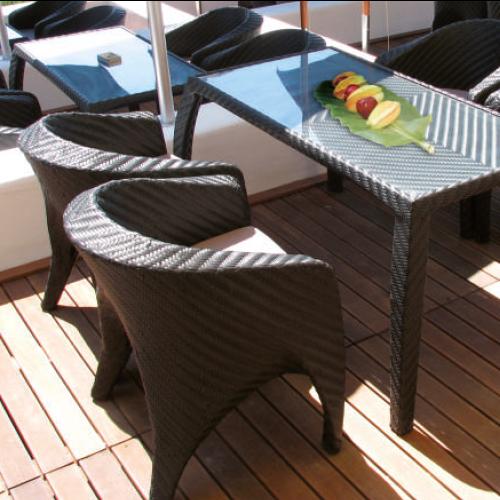 Трапезарен стол от ратан