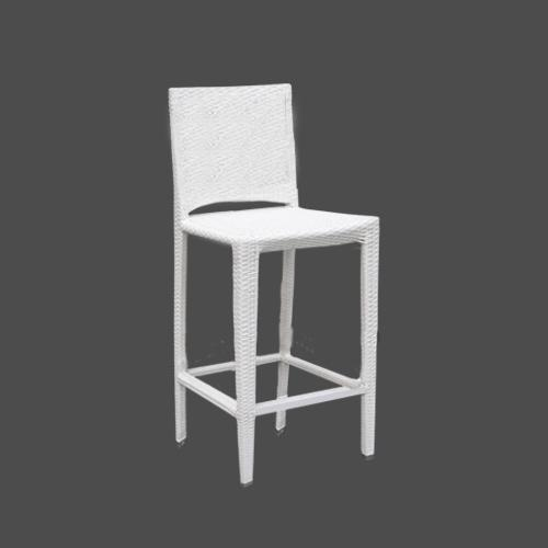 Бар стол в бял цвят.