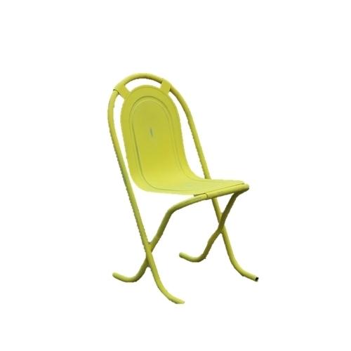 Метален стол в жълт цвят