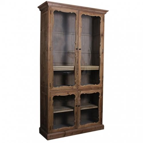 Висок дървен шкаф със стълени витрини