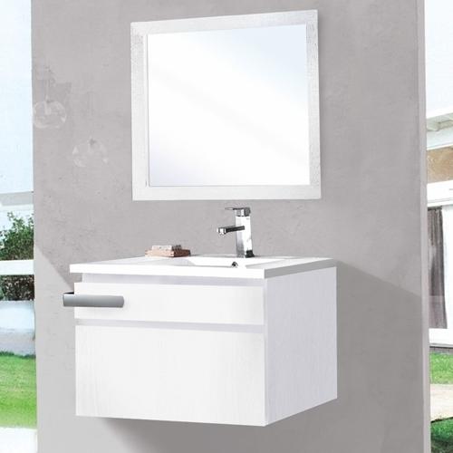 Бяла композиция за баня
