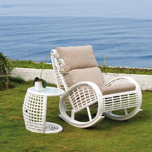 Градински люлеещ стол
