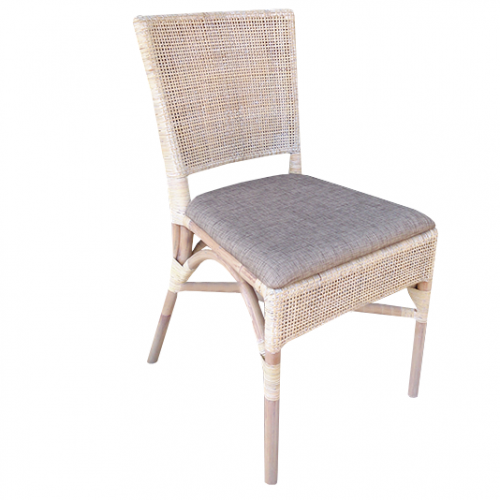Трапезарен стол от естествен ратан за градина