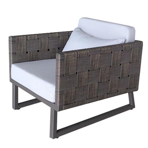 Кресло с ратанова основа и крака тип шейна